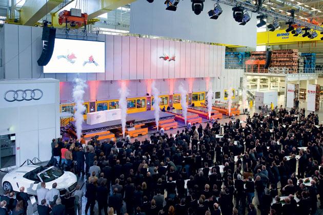 Vertical Shows zur Audi Presswerkeinweihung